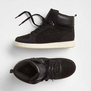 ⭐️ NWT GAP Classic Hi Top True Black Sneakers 12